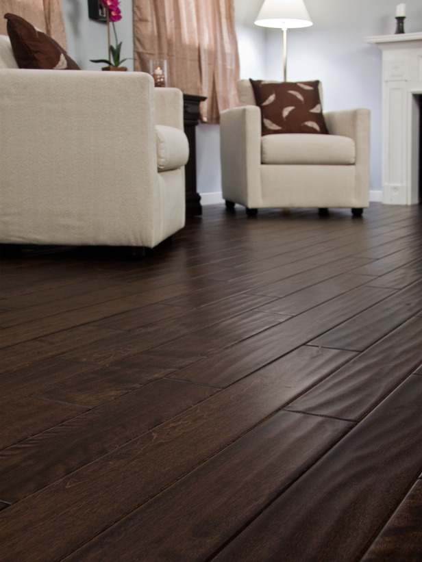 Hardwood for every home flooring ottawa hardwood for Living room designs with dark hardwood floors